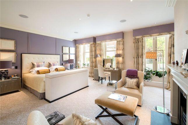Master Bedroom of Upper Phillimore Gardens, Kensington, London W8