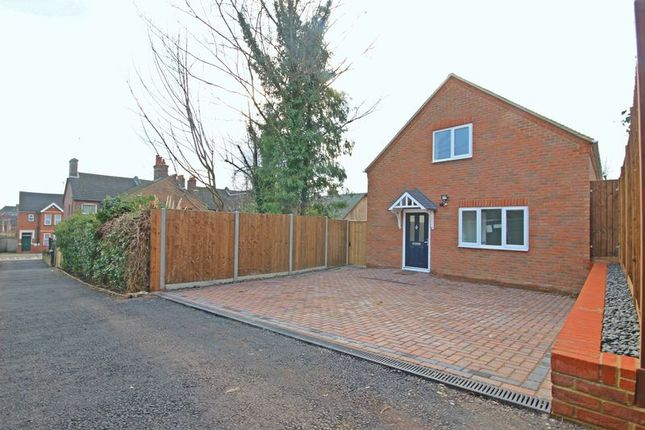 Thumbnail Detached house for sale in Clarendon Road, Luton