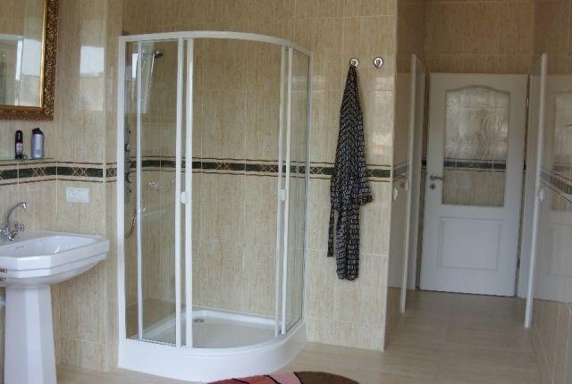 Shower Room of Spain, Málaga, Benahavís