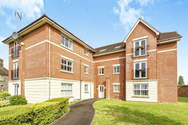 Thumbnail Flat for sale in Sherborne Road, Basingstoke