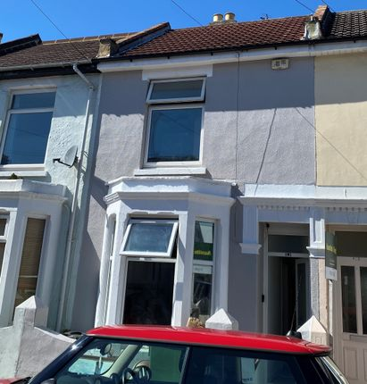 5 bed terraced house to rent in Jubilee Road, Southsea PO4