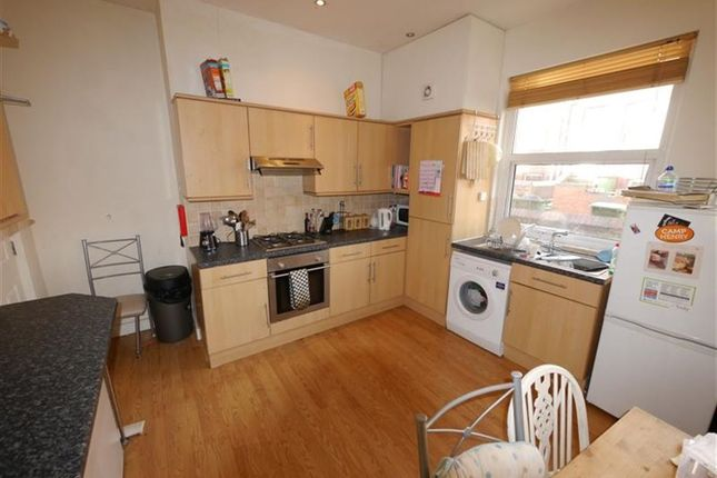 Thumbnail Property to rent in Harold Terrace, Hyde Park, Leeds