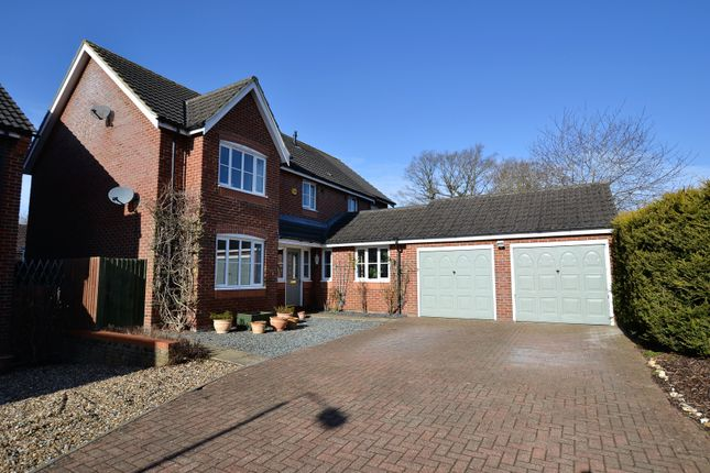 Thumbnail Detached house for sale in Wallace Close, Scarning, Dereham