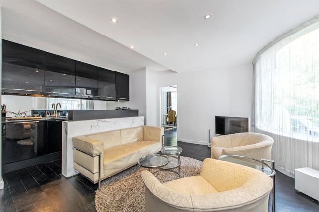 Thumbnail Flat to rent in Florin Court, 6-9 Charterhouse Square, Clerkenwell, London
