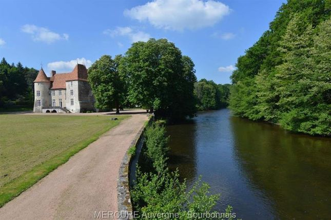 Thumbnail Property for sale in Combronde, Auvergne, 63460, France