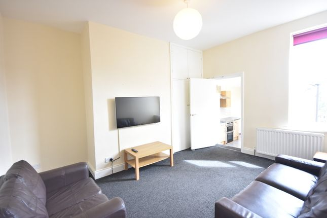 Thumbnail Maisonette to rent in Simonside Terrace, Heaton, Newcastle Upon Tyne