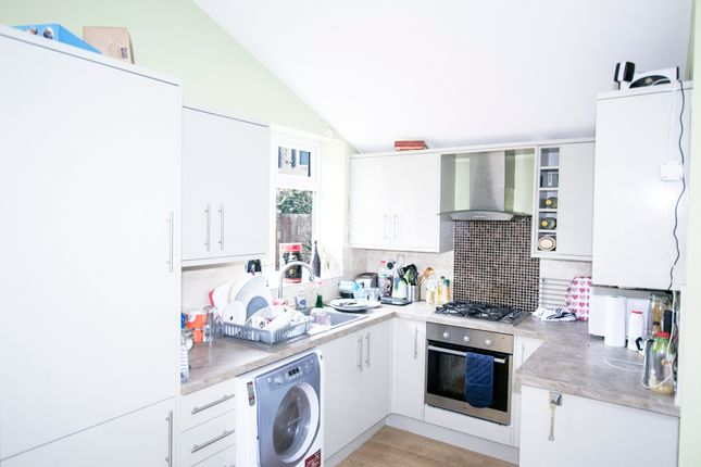 4 bed terraced house to rent in Durnsford Road, London, London