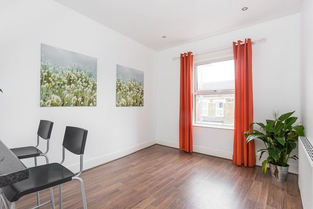 1 bed flat for sale in Hoe Street, London