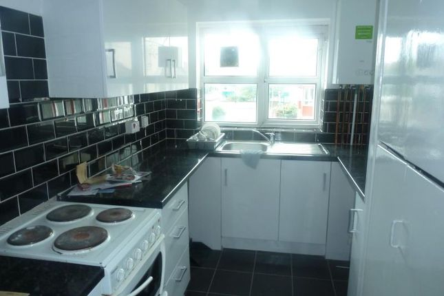 Thumbnail Flat to rent in Haslewood Square, Burmantofts