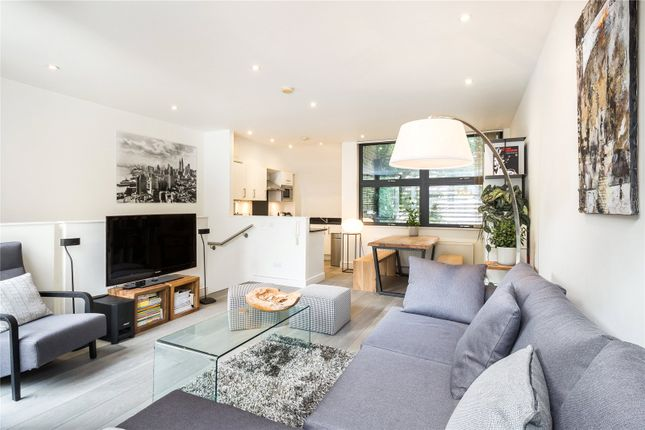 Thumbnail Mews house for sale in Ingle Mews, London
