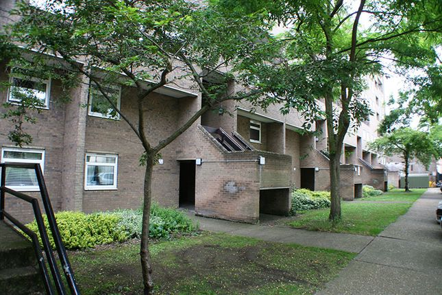 Thumbnail Flat to rent in Hanover Court, Cambridge