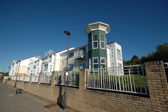Thumbnail Flat to rent in Long Row, South Shields