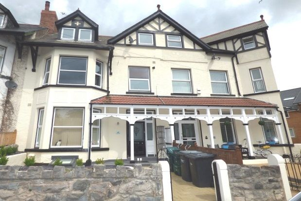 Thumbnail Flat to rent in Upper Promenade, Rhos On Sea, Colwyn Bay