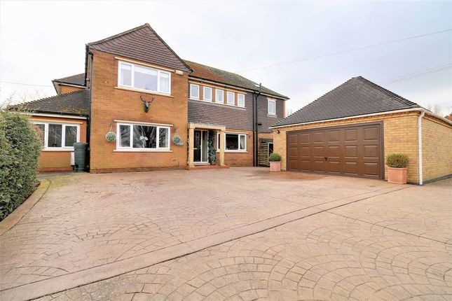 Thumbnail Detached house for sale in The Avenue, Burton-Upon-Stather, Scunthorpe