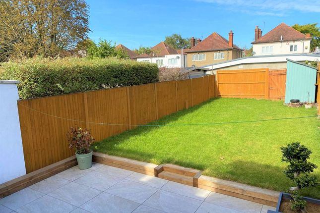 Thumbnail 2 bed flat to rent in Park Road, Hendon, London