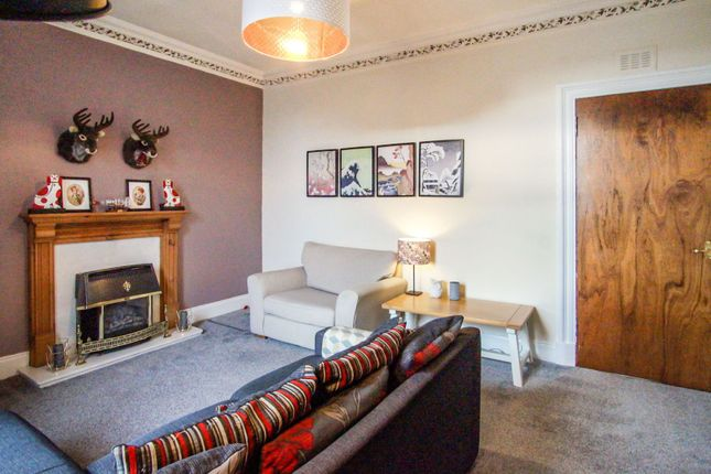 Lounge of 201 Clepington Road, Dundee DD3