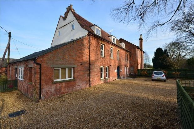 Thumbnail Flat to rent in Pampisford Road, Abington, Cambridge