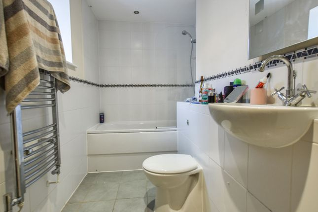 En-Suite Two of Mulberry Gardens, Harlow CM17