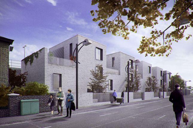 Terraced house for sale in Blenheim Grove, London