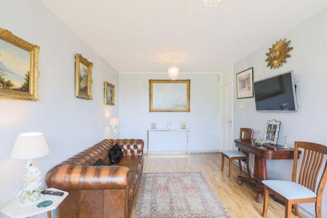 Living Room of Vauxhall Bridge Road, London SW1V
