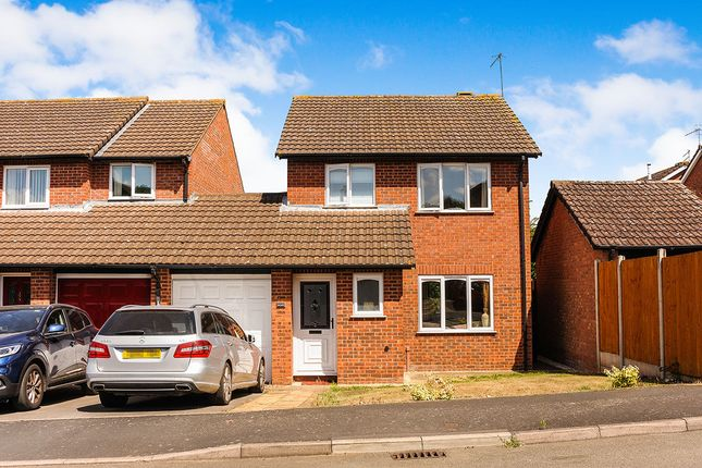 3 bed property to rent in Barns Croft Way, Droitwich WR9