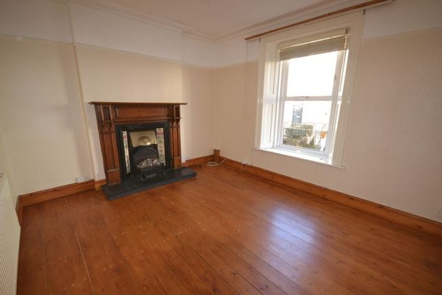 3 bed terraced house to rent in Morley Street, Carmarthen