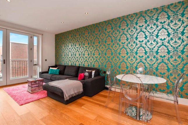 Thumbnail Flat to rent in Mill Lane, West Hampstead
