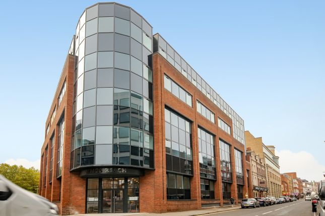 Thumbnail Flat for sale in Kings Road, Reading