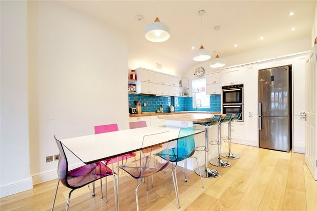 Thumbnail Flat for sale in Woodberry Crescent, London