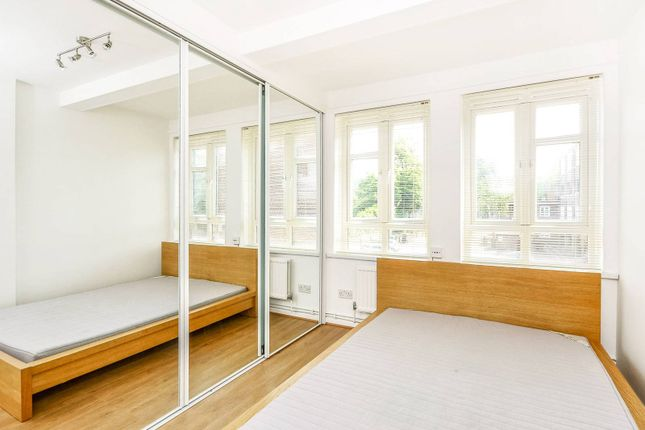 2 bed maisonette to rent in Highbury New Park, Highbury