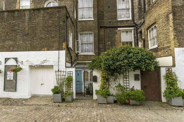 1 bed flat for sale in Westbourne Terrace Mews, London