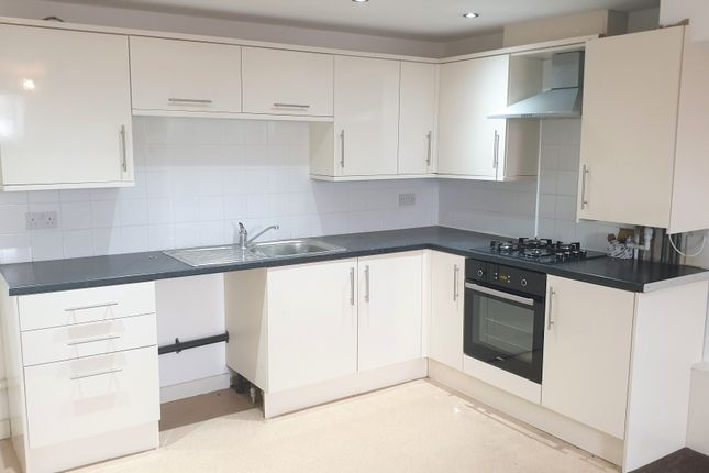 Thumbnail Flat to rent in Bentley Court, Gladstone Road, Seaforth, Liverpool