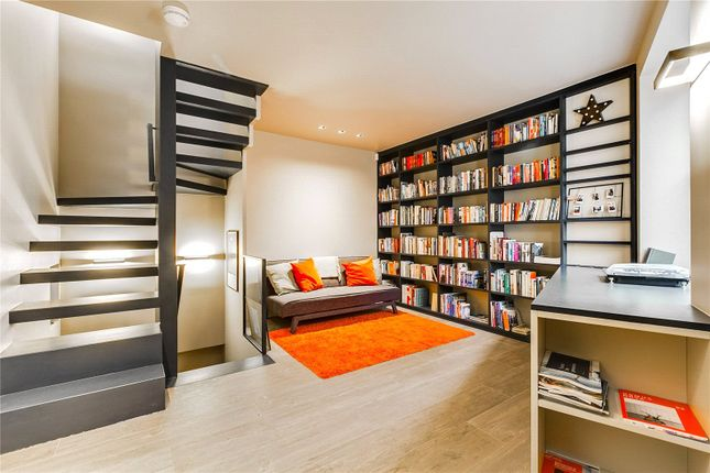 Thumbnail Mews house to rent in Pottery Lane, London