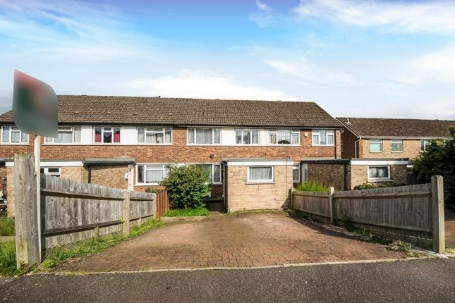 4 bed semi-detached house to rent in Newbury, Berkshire RG14