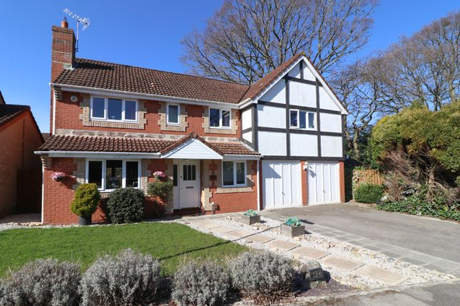 Thumbnail Detached house for sale in Lucerne Gardens, Hedge End, Southampton