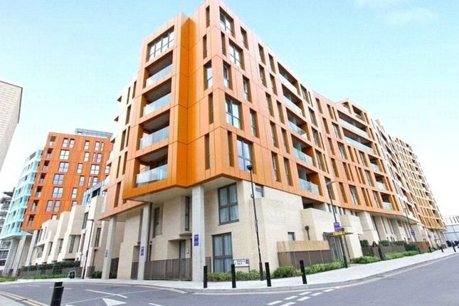 Thumbnail Maisonette to rent in Cable Walk, London