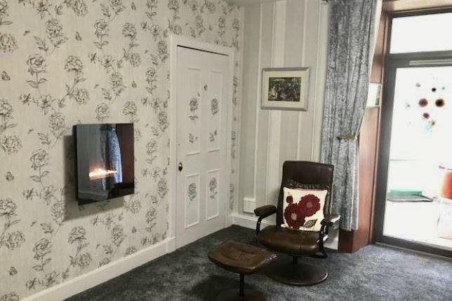 Lounge, Flat 1, 4A Queich Place, Kinross