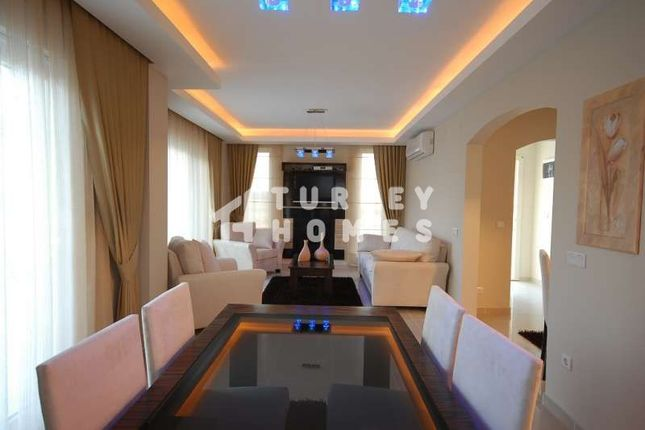 Spacious Detached Belek Golf Villa - Dining Area And Lounge