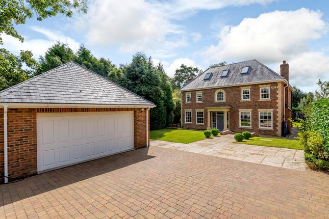 Thumbnail Detached house for sale in Meadway, Berkhamsted, Hertfordshire