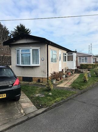 Thumbnail Mobile/park home for sale in Fowley Mead Park, Waltham Cross