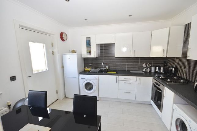 Kitchen of Mctaggart Avenue, Denny FK6