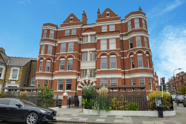2 bed flat to rent in Hamlet Gardens, Hammersmith