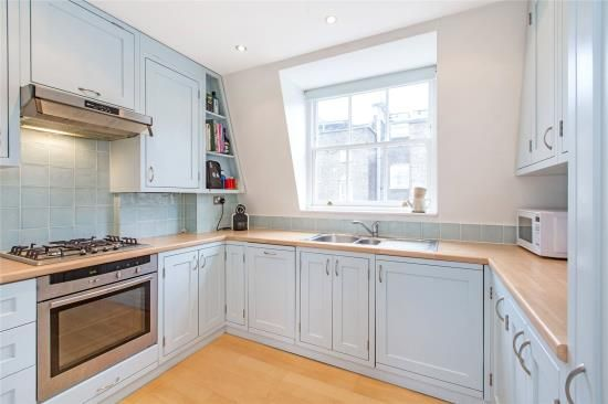 2 bed property to rent in Charlwood Place, London
