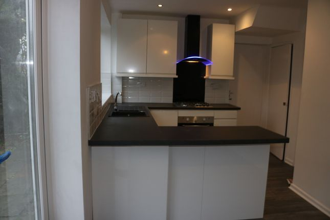 Thumbnail Link-detached house to rent in Pennine Road, Glossop