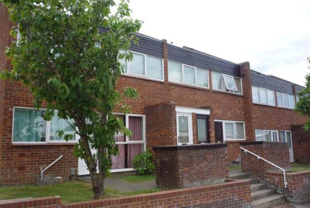 2 bed flat to rent in Sprowston Road, Sprowston, Norwich