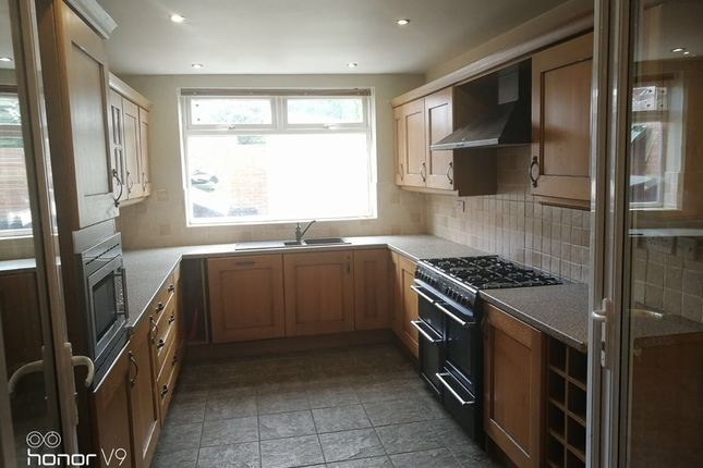 3 bed semi-detached house to rent in Rothbury Avenue, Gateshead