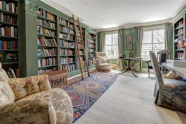 Thumbnail Maisonette for sale in Russell Road, Holland Park, London