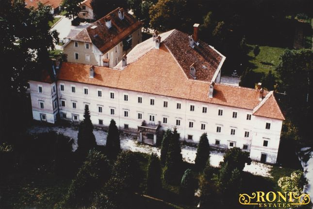 Thumbnail Leisure/hospitality for sale in Hp609, Medvode - Smlednik, Slovenia
