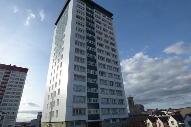 Thumbnail Flat to rent in Lynher House, Plymouth, Devon