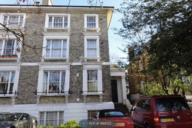 2 bed flat to rent in Shooters Hill Road, London SE3